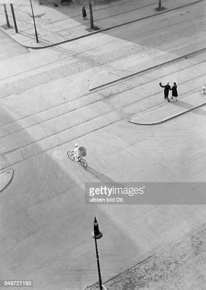 Neujahrsmorgen in Berlin undatiert um 1930 Fotograf László MoholyNagy ersch Uhu Nr 4/1931