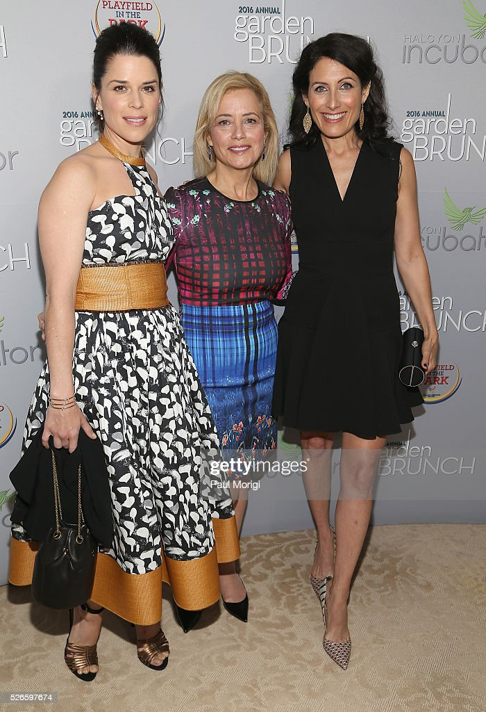 Neve Campbell, Hilary Rosen and Lisa Edelstein attend the Garden Brunch prior to the 102nd White House Correspondents' Association Dinner at the Beall-Washington House on April 30, 2016 in Washington, DC.