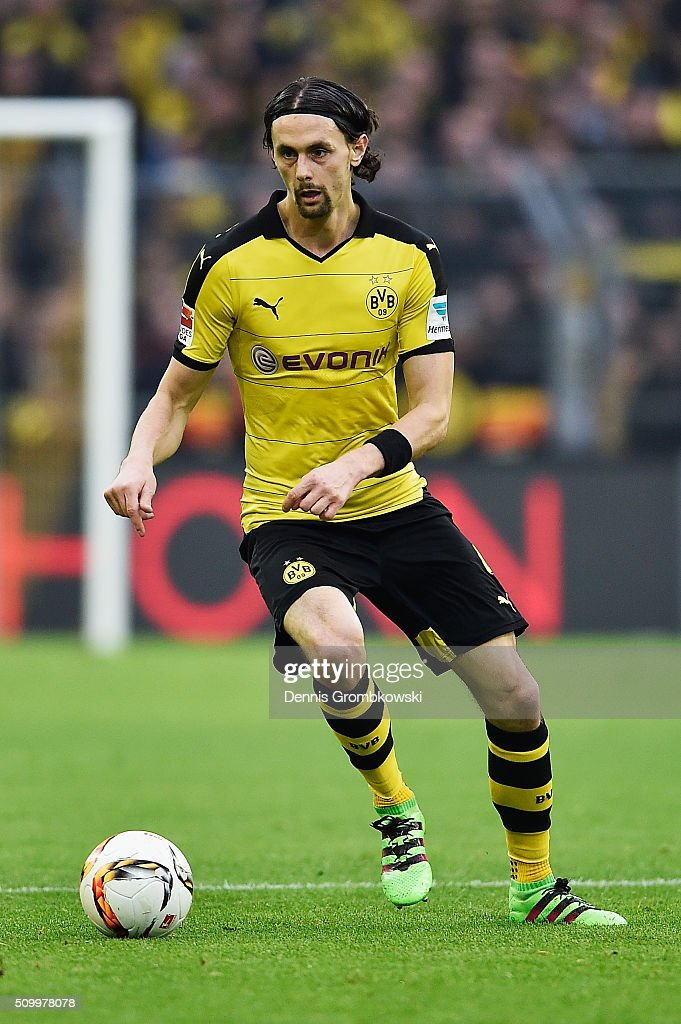 <a gi-track='captionPersonalityLinkClicked' href=/galleries/search?phrase=Neven+Subotic&family=editorial&specificpeople=2234315 ng-click='$event.stopPropagation()'>Neven Subotic</a> of Borussia Dortmund controls the ball during the Bundesliga match between Borussia Dortmund and Hannover 96 at Signal Iduna Park on February 13, 2016 in Dortmund, Germany.