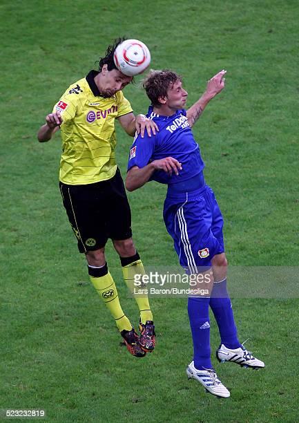 Neven Subotic von Dortmund springt hoch zum Kopfball mit Stefan Kiessling von Leverkusen waehrend des Bundesligaspiels zwischen Borussia Dortmund und...