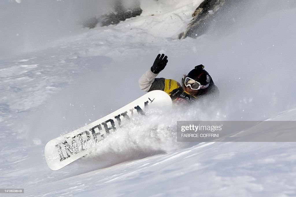 New 2012 Freeride World Champion France's Jonathan Charlet competes on the Bec de Rosses mountain during the Xtreme Freeride World Tour final on March 24, 2010 above the Swiss Alps resort of Verbier. AFP PHOTO / FABRICE COFFRINI