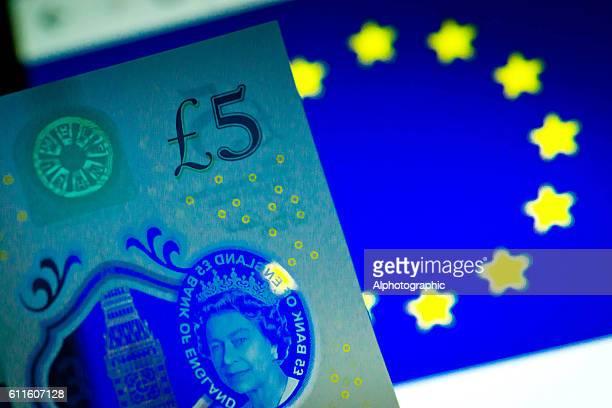 New 5 pound note and EU symbol