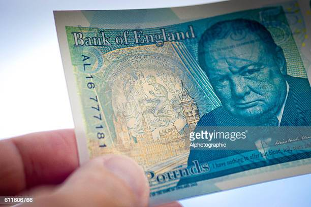 New 5 pound note