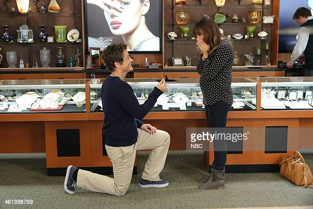 RECREATION 'New Beginnings' Episode 611 Pictured Rob Lowe as Chris Traeger Rashida Jones as Ann Perkins
