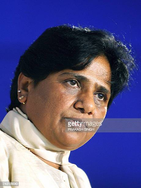 Chief Minister of the Indian state of Uttar Pradesh Mayawati delivers her speech during a felicitation ceremony in New Delhi 25 May 2007 Uttar...