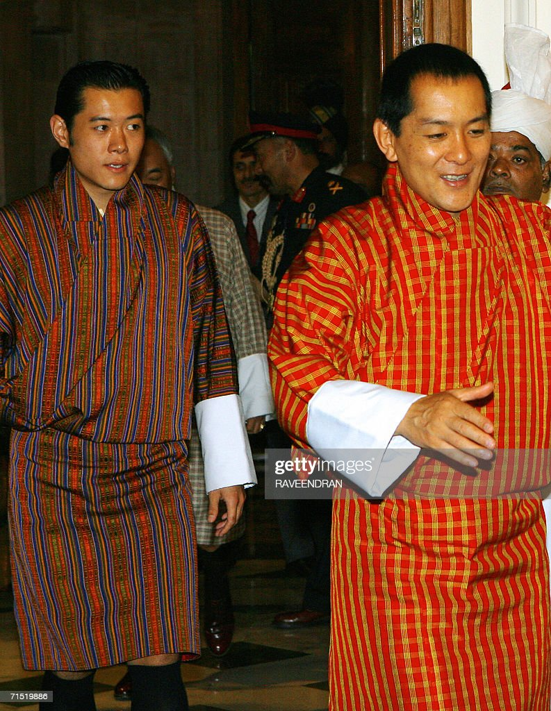King of Bhutan, <a gi-track='captionPersonalityLinkClicked' href=/galleries/search?phrase=Jigme+Singye+Wangchuck&family=editorial&specificpeople=737467 ng-click='$event.stopPropagation()'>Jigme Singye Wangchuck</a>, (R), Indian President A.P.J. Abdul Kalam, (C), and Bhutan's Crown Prince, Jigme Khesar Namgyal Wangchuck pause during a meeting at the Presidential Palace in New Delhi, 26 July 2006. Bhutanese King <a gi-track='captionPersonalityLinkClicked' href=/galleries/search?phrase=Jigme+Singye+Wangchuck&family=editorial&specificpeople=737467 ng-click='$event.stopPropagation()'>Jigme Singye Wangchuck</a> is in India for a six-day official visit. AFP PHOTO/ RAVEENDRAN
