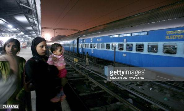 Relatives of passengers travelling by the Samjhauta Express bid goodbye to their relatives at the Old Delhi Railway Station in Delhi 21 February 2007...