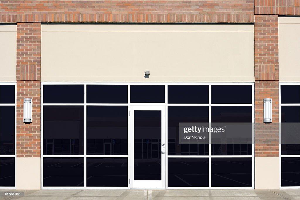 Vacías nuevo frente de tienda : Foto de stock