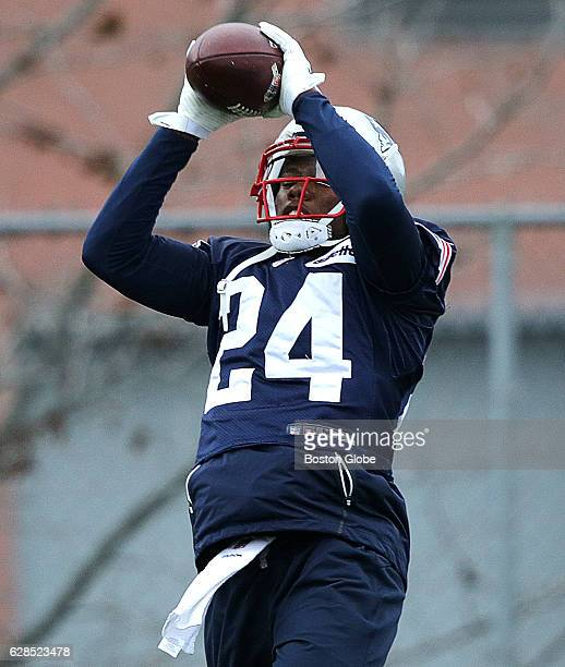 cyrus jones american football cornerback stock photos and pictures getty images. Black Bedroom Furniture Sets. Home Design Ideas