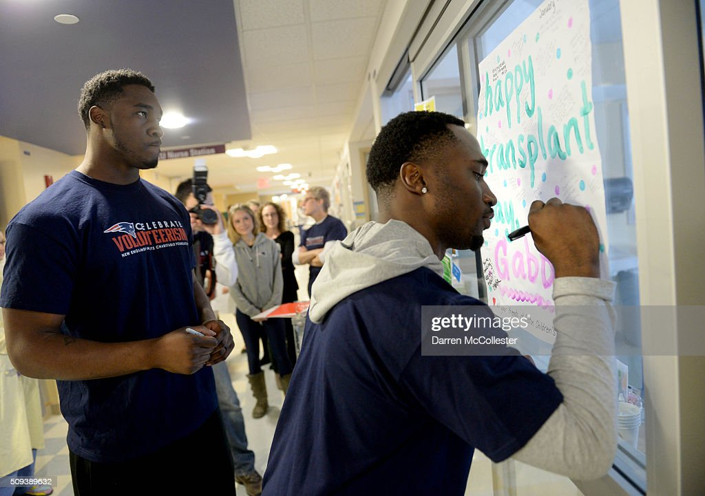 New England Patriot's <a gi-track='captionPersonalityLinkClicked' href=/galleries/search?phrase=Geneo+Grissom&family=editorial&specificpeople=8606135 ng-click='$event.stopPropagation()'>Geneo Grissom</a> (L) and <a gi-track='captionPersonalityLinkClicked' href=/galleries/search?phrase=Dion+Lewis+-+American+Football+Player&family=editorial&specificpeople=11433697 ng-click='$event.stopPropagation()'>Dion Lewis</a> visit the kids at Boston Children's Hospital February 10, 2016 in Boston, Massachusetts.