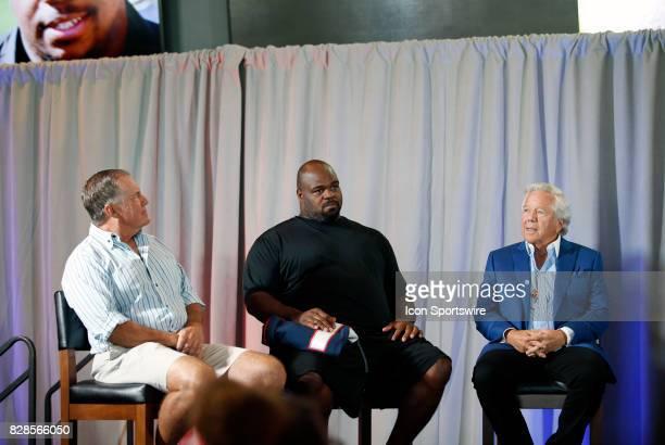 New England Patriots head coach Bill Belichick Vince Wilfork and New England Patriots Chairman and CEO Robert Kraft watch a highlight film of the...