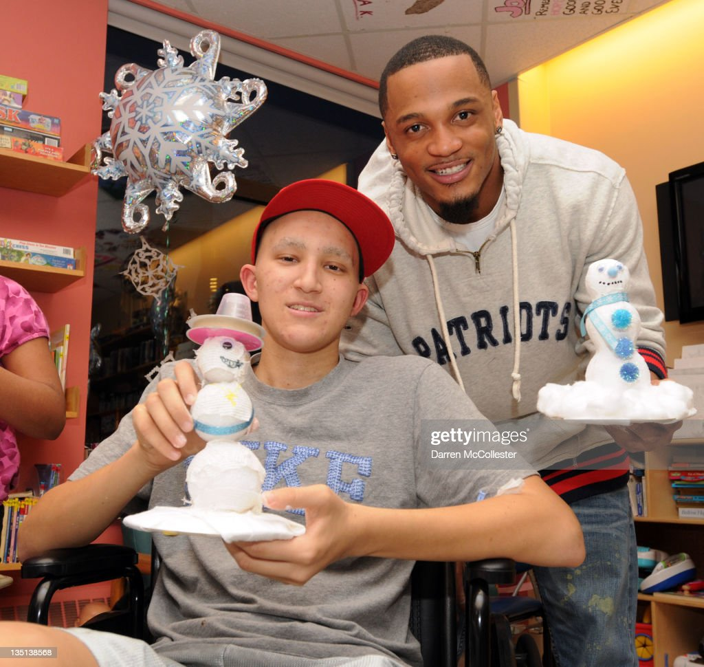 New England Patriots player <a gi-track='captionPersonalityLinkClicked' href=/galleries/search?phrase=Patrick+Chung&family=editorial&specificpeople=2242933 ng-click='$event.stopPropagation()'>Patrick Chung</a> visits Collin at Children's Hospital Boston on December 6, 2011 in Boston, Massachusetts.