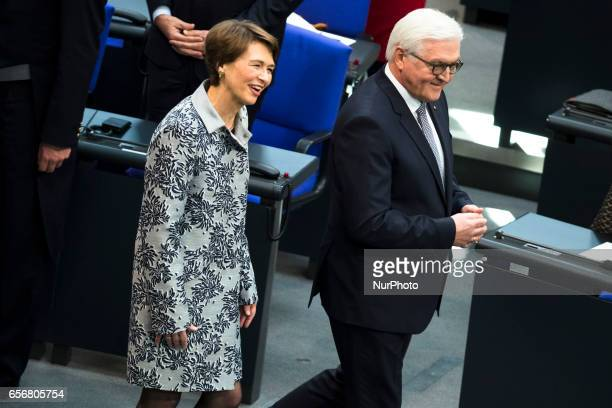New German President FrankWalter Steinmeier and his wife Elke Buedenbender arrive for the swearingin ceremony during a common session of the...
