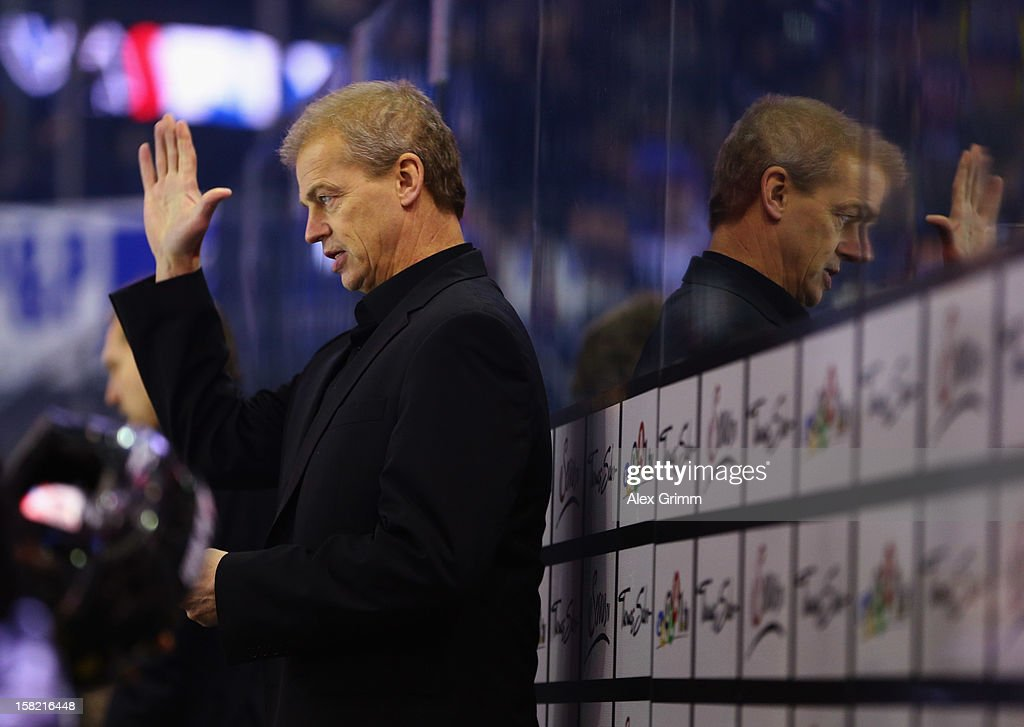 New head coach BengtAke Gustafsson of Ice Tigers waves during the DEL match between Thomas Sabo Ice Tigers and Straubing Tigers at Arena Nuernberger...