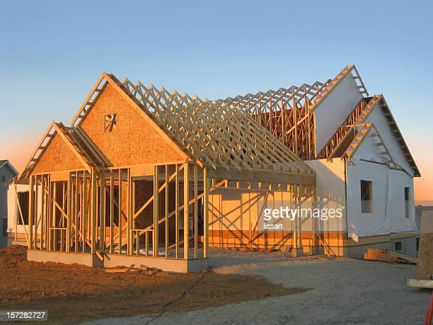Nouvelle maison de Construction au coucher du soleil
