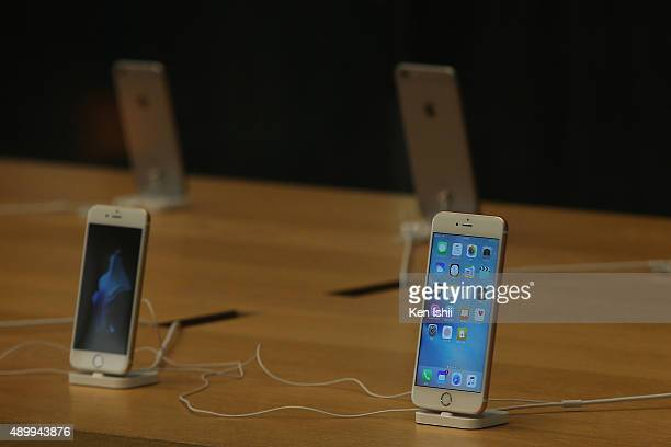 New iPhone 6s and 6s Plus on display at the Apple Ginza store on September 25 2015 in Tokyo Japan Apple is launching iPhone 6s and 6s Plus in 12...