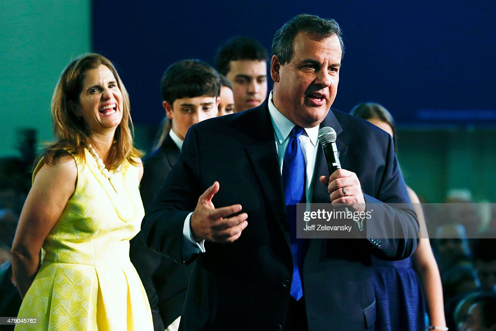 New Jersey Gov. <a gi-track='captionPersonalityLinkClicked' href=/galleries/search?phrase=Chris+Christie&family=editorial&specificpeople=6480114 ng-click='$event.stopPropagation()'>Chris Christie</a>, joined by his family, announces his candidacy for the Republican presidential nomination at Livingston High School on June 30, 2015 in Livingston Twp., New Jersey. Christie made the announcement in the gymnasium of his alma mater, becoming the 14th candidate to join the Republican field.
