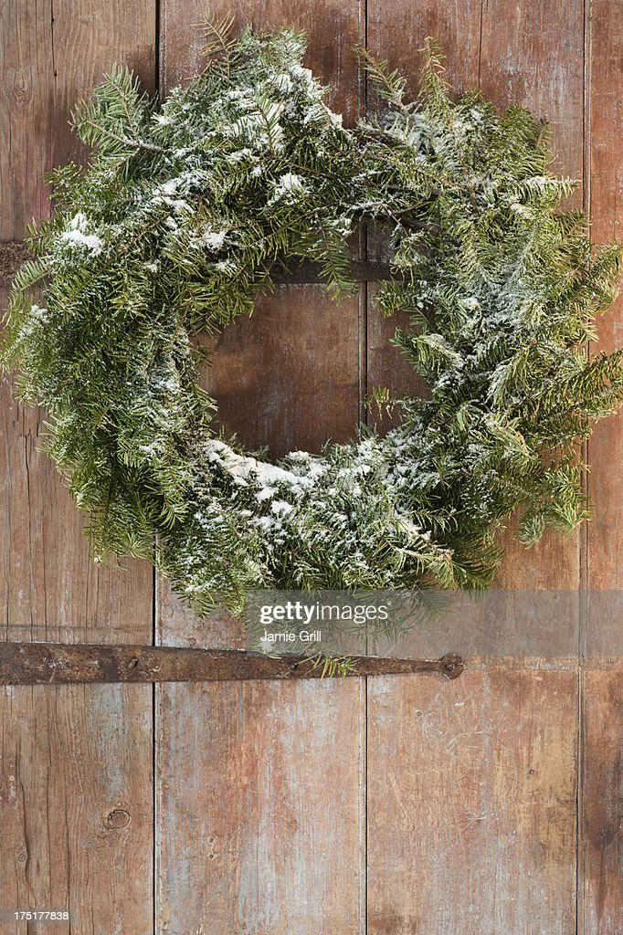 USA, New Jersey, Jersey City, Christmas wreath on door