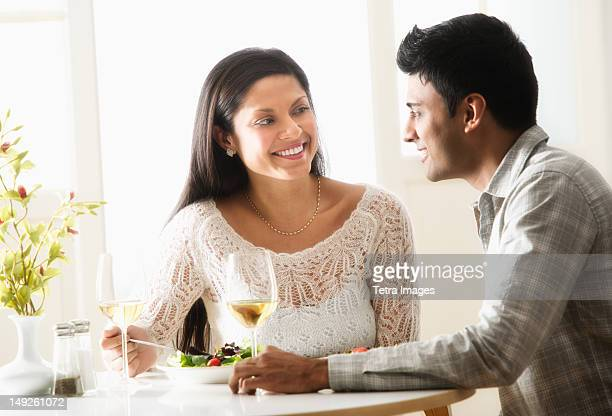 USA, New Jersey, Jersey City, Couple in restaurant