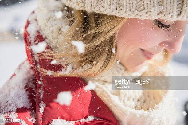 USA, New Jersey, Jersey City, Profile of woman wearing knit hat in winter
