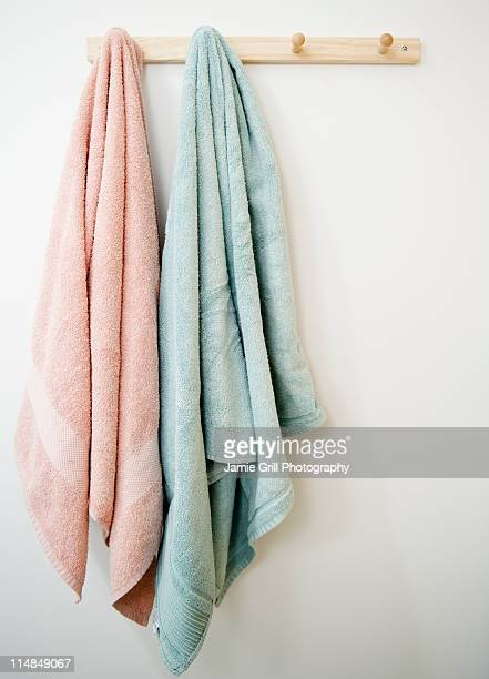 USA, New Jersey, Jersey City, towels hanging on rack