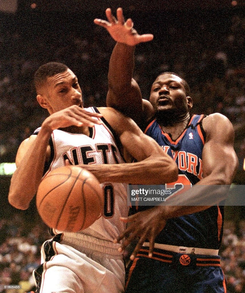 New Jersey Nets guard Kerry Kittles L loses the