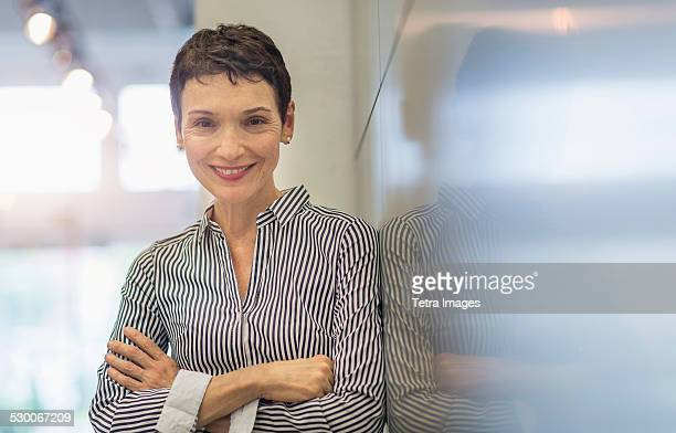 USA, New Jersey, Portrait of smiling businesswoman