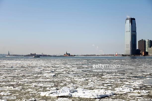 USA, New Jersey, Skyscraper in winter