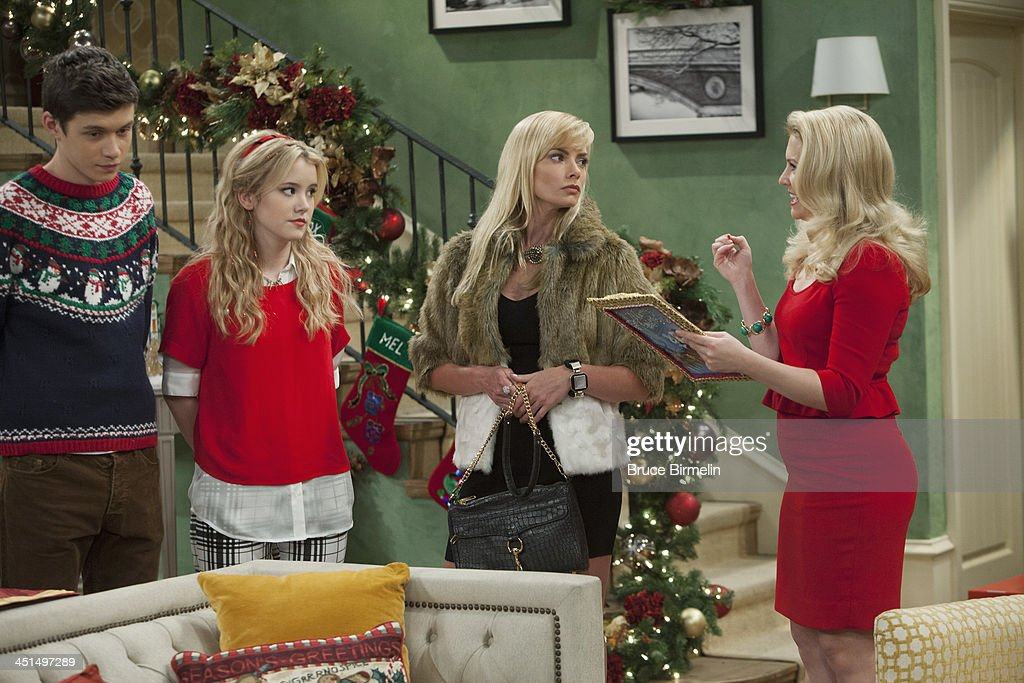 MELISSA & JOEY - 'A New Kind of Christmas' - Jaime Pressly drops by as Mel's sister Meredith, who comes home from prison on furlough to celebrate Christmas with the kids and Mel, and seems unruffled by Joe's obvious animosity towards her. 'A New Kind of Christmas' airs Wednesday, December 11th at 8:00PM ET/PT on ABC Family. HART