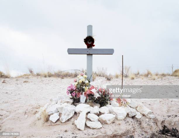 New Mexican roadside grave