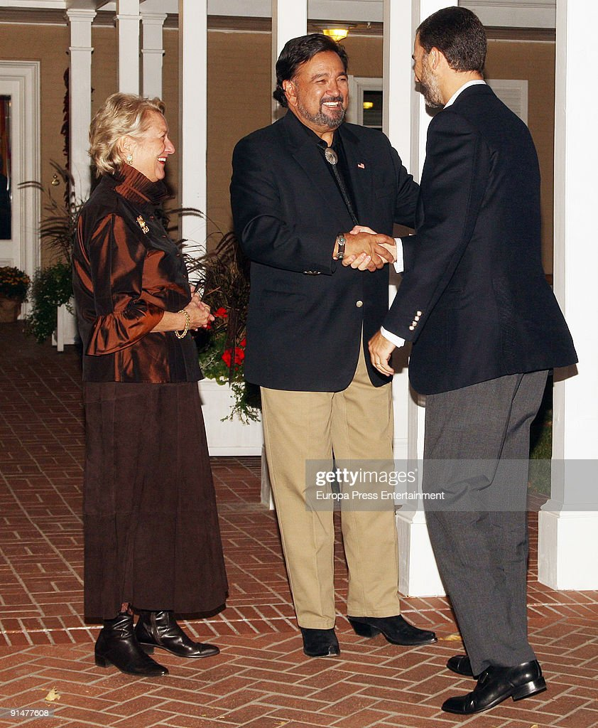 New Mexico Governor's wife, Barbara Richardson and New Mexico Governor Bill Richardson wellcome Prince Felipe before dinner at Governor Residence on October 5, 2009 in Albuquerque, New Mexico. The Spanish Royals were in town to commemorate Santa Fe, New Mexico's 400th Anniversary.