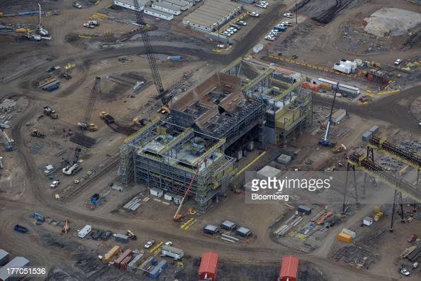 Oil Facility Construction : Views of fort mcmurray and the oil sands photos images