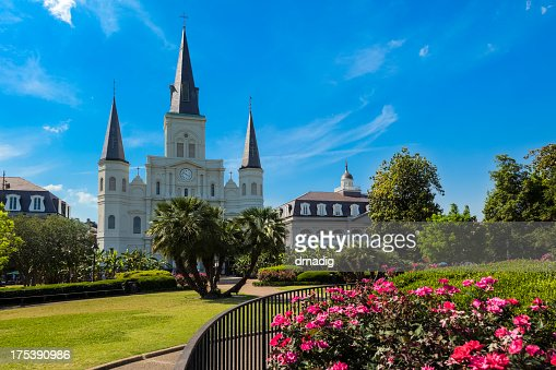 New Orleans Jackson Square and Saint Louis Cathedral