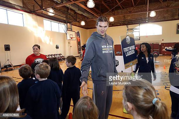 New Orleans Pelicans Lou Amundson helps to host a Pelicans Junior Training Camp encouraging students to be smoke and tobacco free on December 12 2013...