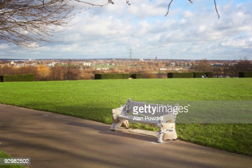 New Park bench : Foto stock