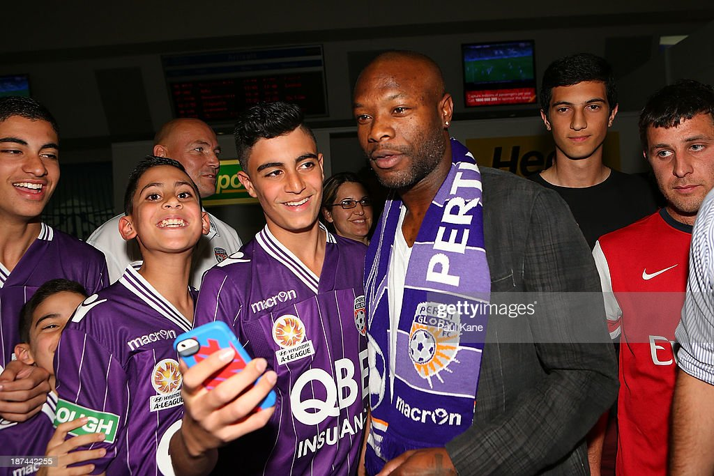 William Gallas Arrives In Australia