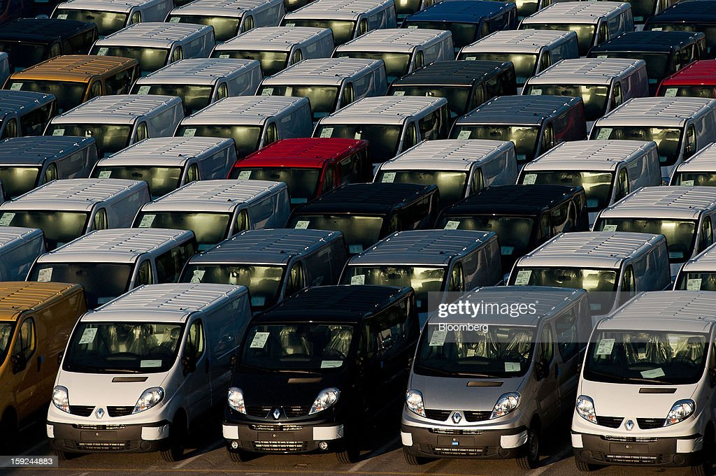 New Renault SA vans stand in a parking lot ahead of shipping at Barcelona port in Barcelona, Spain, on Thursday, Jan. 10, 2013. Spanish exports grew the least in five months in September as the euro area relapsed into a recession and the region's fourth-largest economy continued to contract. Photographer: David Ramos/Bloomberg via Getty Images