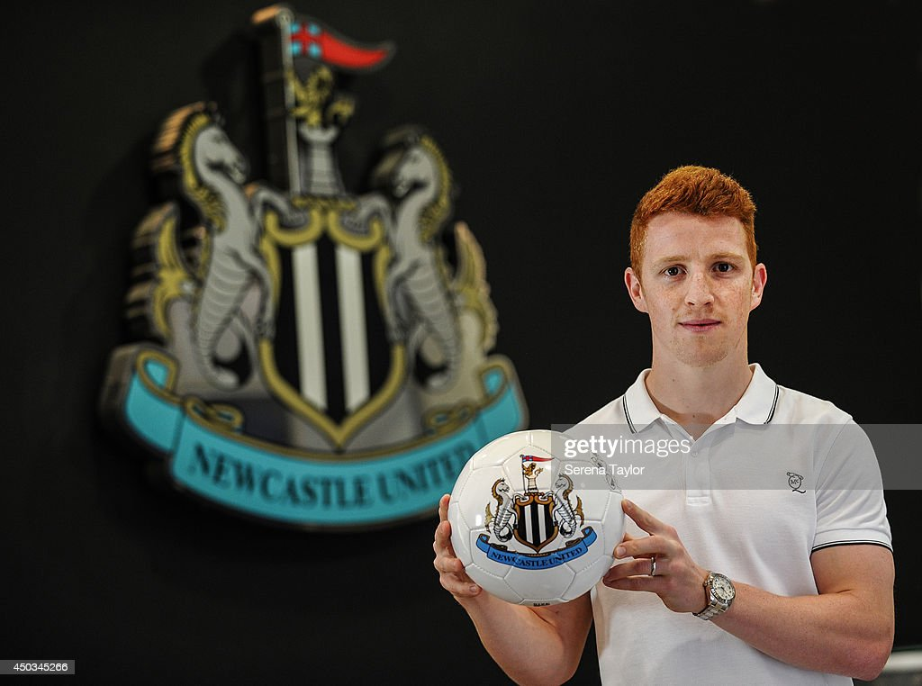 Newcastle United Sign Jack Colback