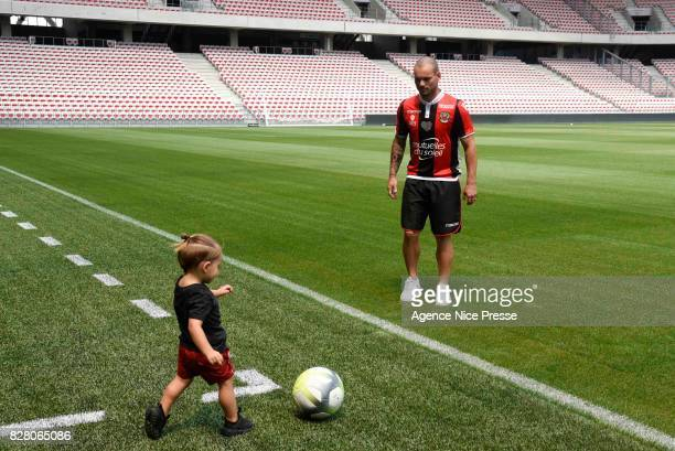 New signing player of Nice Wesley Sneidjer and his daughter Xess Xava during press conference on August 8 2017 in Nice France