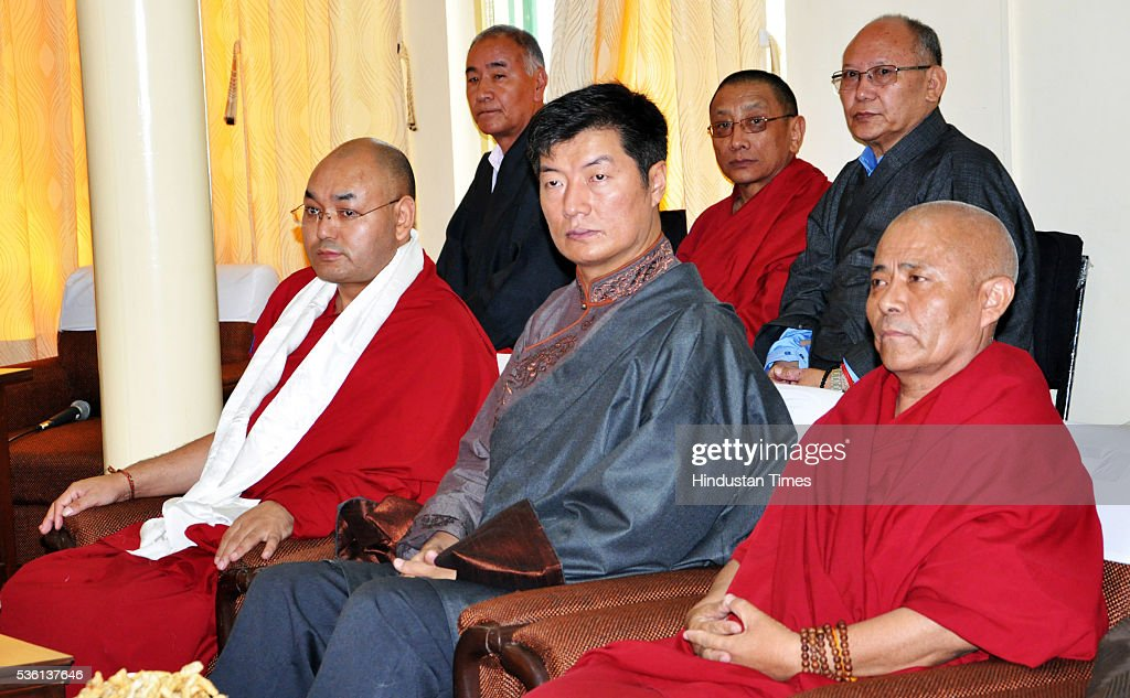 New speaker of the 16th Tibetan Parliament-in-Exile Khenpo Sonam Tenphel and Tibetan PM Lobsang Sangay and new Deputy Speaker Acharya Yeshi Phuntsok during the oath ceremony on May 31, 2016 at Dharamsala, India.