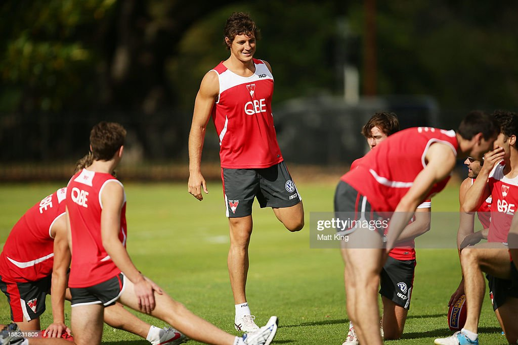 New Swans signing Kurt Tippett stretches during a Sydney Swans AFL training session at Moore Park on December 12, 2012 in Sydney, Australia.