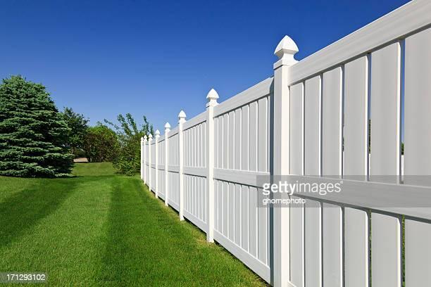 Neue weißer Zaun