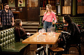 UNDATEABLE 'A New Year's Resolution Walks Into A Bar' Episode 310A Pictured David Fynn as Brett Whitney Cummings as Charlotte Bridgit Mendler as...