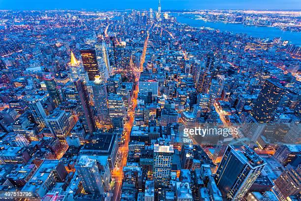 Cidade de Nova Iorque na noite, vista aérea