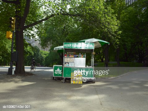 USA, New York City, Central Park, food stand