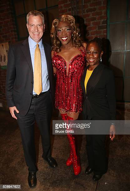 New York City Mayor Bill de Blasio Alan Mingo Jr as 'Lola' and Chirlane McCray visit 'Kinky Boots' on Broadway at The Al Hirschfeld Theatre on May 6...