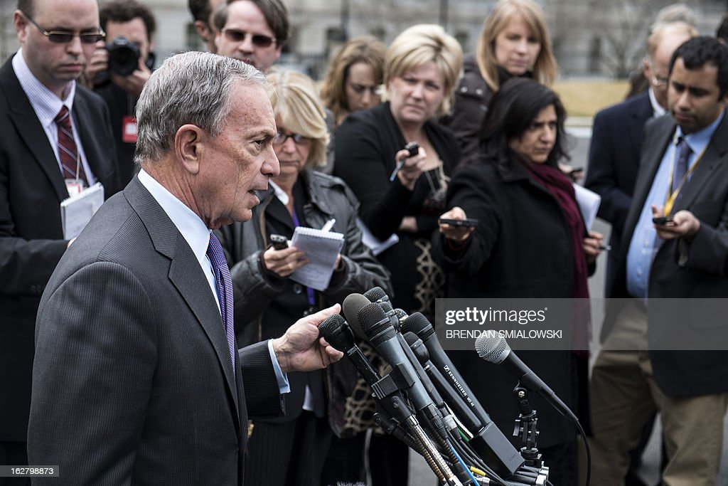 New York City Mayor Michael Bloomberg speaks to reporters outside the West Wing of the White House after a meeting on February 27, 2013 in Washington, DC. Bloomberg and US Vice President Joseph R. Biden met to speak about gun control and gun violence. AFP PHOTO/Brendan SMIALOWSKI