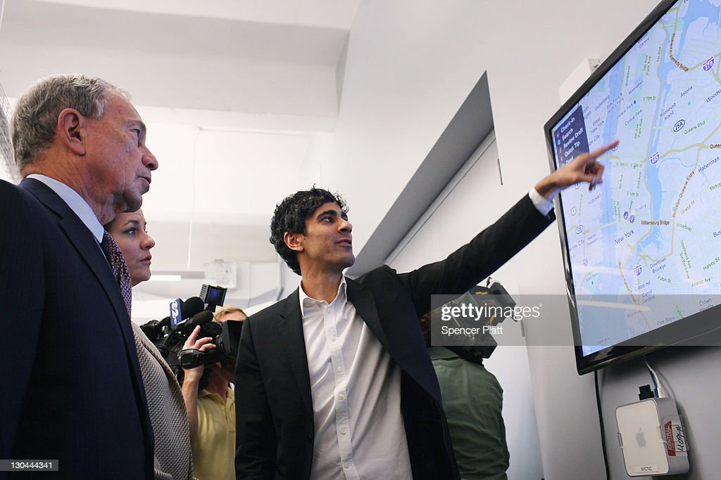 New York City Mayor <a gi-track='captionPersonalityLinkClicked' href=/galleries/search?phrase=Michael+Bloomberg&family=editorial&specificpeople=171685 ng-click='$event.stopPropagation()'>Michael Bloomberg</a> (L) stands with Yelp CEO Jeremy Stoppelman (R) at the new East Coast headquarters of the online review company Yelp on October 26, 2011 in New York City. The Bloomberg administration has been heralding and working to facilitate the tech sector in New York City in hopes of making New York City a rival to Silicon Valley for start-up companies.