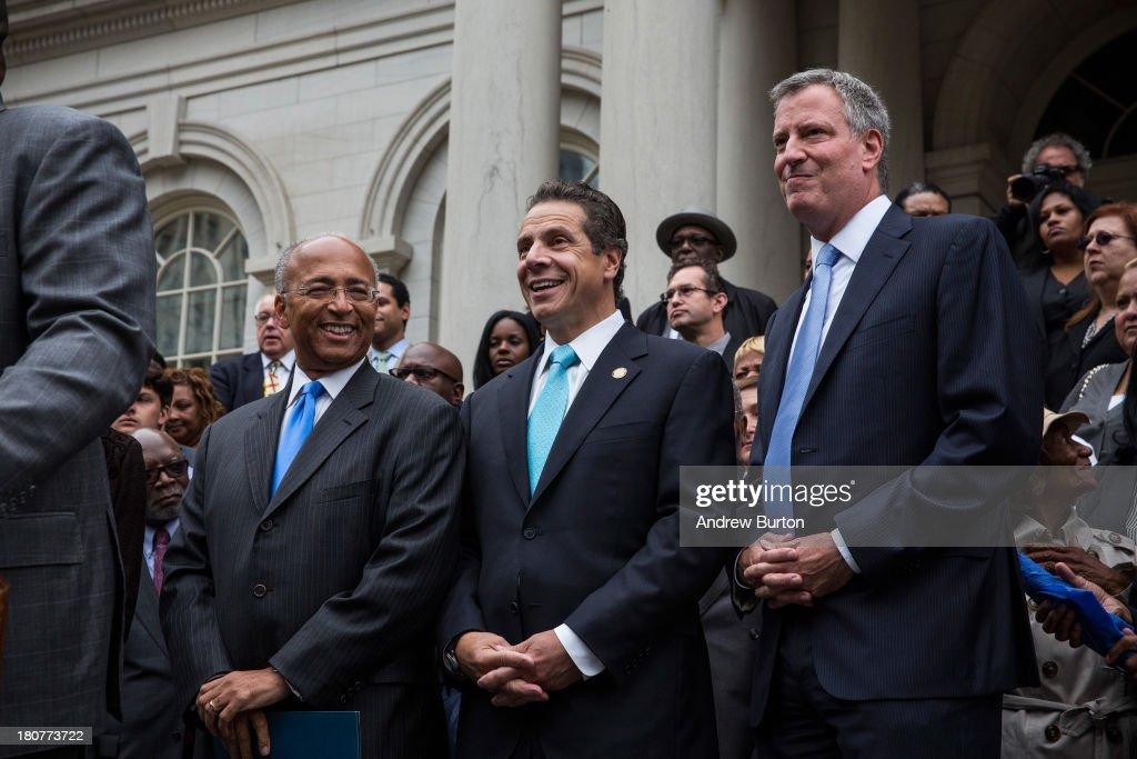 New York City mayoral hopeful Bill Thompson (L), New York Governor <a gi-track='captionPersonalityLinkClicked' href=/galleries/search?phrase=Andrew+Cuomo&family=editorial&specificpeople=228332 ng-click='$event.stopPropagation()'>Andrew Cuomo</a> (C) and New York City Democratic mayoral candidate Bill De Blasio (R) attend a speech in which Thompson conceded defeat to de Blasio in the race for the democratic candidate position in the race for New York City mayor on September 16, 2013 in New York City. Thompson and De Blasio both hoped to win the democratic cadidate position for New York City. While De Blasio had a majority lead in the primary vote with approximately 40% of the votes, Thompson had hoped that he could force a run off between the two.