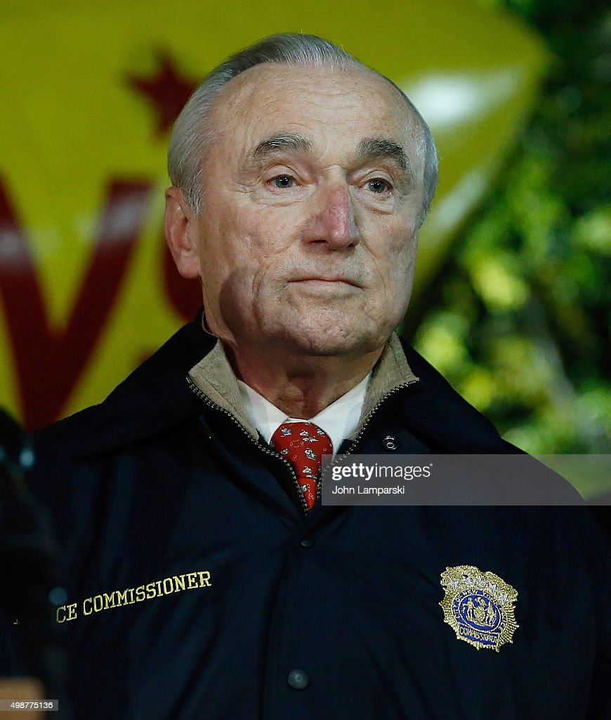 New York City Police Commissioner William Joseph 'Bill' Bratton attends 89th Annual Macy's Thanksgiving - new-york-city-police-commissioner-william-joseph-bill-bratton-attends-picture-id498775136